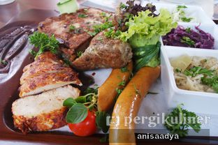 Foto review Bavarian Haus Bratwurst & Grill oleh Anisa Adya 1