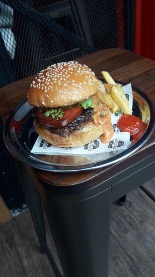 Foto 5 - Makanan di Burgertard oleh Nadia Indo