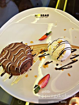 Foto 1 - Makanan di MOREAU Chocolatier's Cafe oleh William Wilz