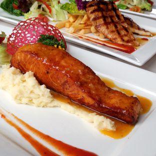 Foto 4 - Makanan di Grandia Sky Lounge - Grandia Hotel oleh Chris Chan