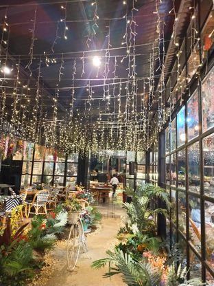 Foto 7 - Interior di ROOFPARK Cafe & Restaurant oleh Komentator Isenk