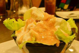 Foto 5 - Makanan(Fresh Salad (IDR 35k) ) di Pizza Hut oleh Renodaneswara @caesarinodswr