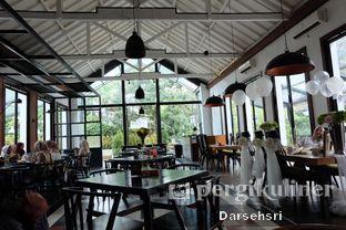 Foto 10 - Interior di Saka Bistro & Bar oleh Darsehsri Handayani