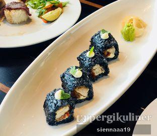 Foto 9 - Makanan(tori cream cheese ika sumi roll) di Enmaru oleh Sienna Paramitha