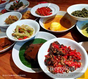 Foto 1 - Makanan di Padang Merdeka oleh Andre Joesman