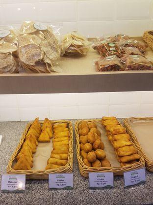 Foto 4 - Makanan di Dandy Bakery oleh Yuli || IG: @franzeskayuli