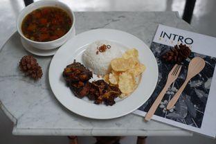 Foto 13 - Makanan di Intro Jazz Bistro & Cafe oleh Deasy Lim