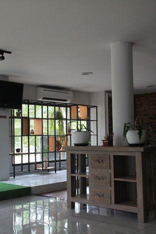 Foto 54 - Interior di Hidden Haus Coffee & Tea oleh Prido ZH