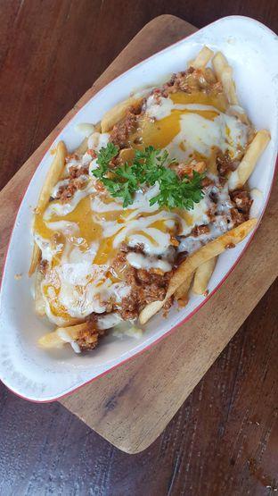 Foto review Madison Ave Cafe & Bar oleh Naomi Suryabudhi 1