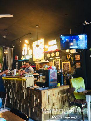 Foto 10 - Interior di Titik Kumpul Coffee & Eatery oleh Michelle Juangta