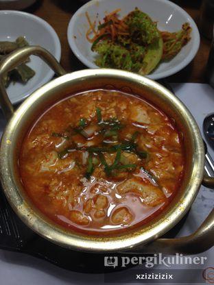 Foto 4 - Makanan(Soondubu Jiggae) di Chung Gi Wa oleh zizi