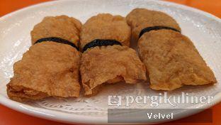 Foto 2 - Makanan(Lumpia Udang Kulit Tahu) di Dimsumgo! oleh Velvel