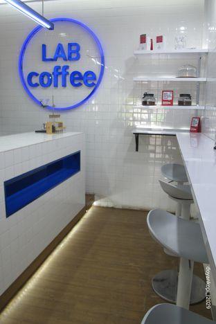 Foto 3 - Interior di Lab Coffee oleh Kuliner Addict Bandung