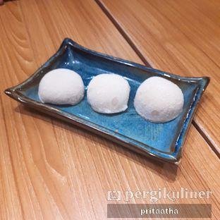Foto 3 - Makanan(Mochi Ice Cream Yum Raisin) di Kimukatsu oleh Prita Hayuning Dias