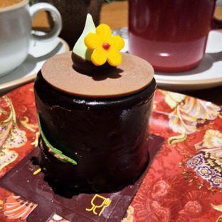 Foto 4 - Makanan(Banana choco cake) di Red Door Koffie House oleh Komentator Isenk