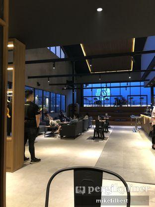 Foto 4 - Interior di Authentic Coffee oleh MiloFooDiary | @milofoodiary