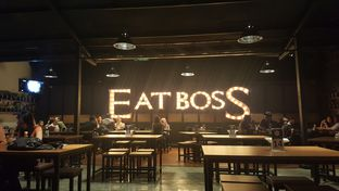 Foto 3 - Interior di Eat Boss oleh zelda
