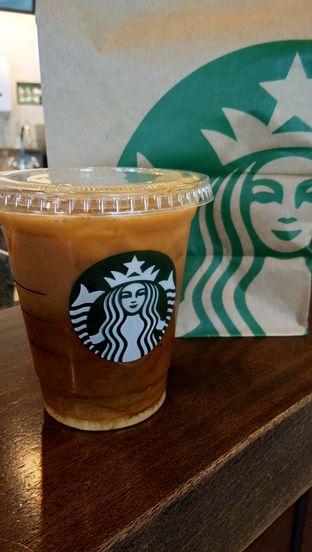 Foto 2 - Makanan(vanilla sweet cream cold brew) di Starbucks Coffee oleh Komentator Isenk