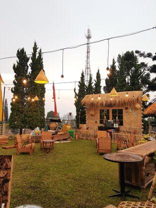 Foto review IR Resto - Gumilang Regency Hotel oleh Vina | Eat and Leisure 2