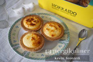 Foto - Makanan di Hokkaido Baked Cheese Tart oleh Kevin Leonardi @makancengli