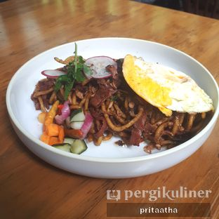 Foto 1 - Makanan(Smoked Tuna Mie Goreng) di Onni House oleh Prita Hayuning Dias