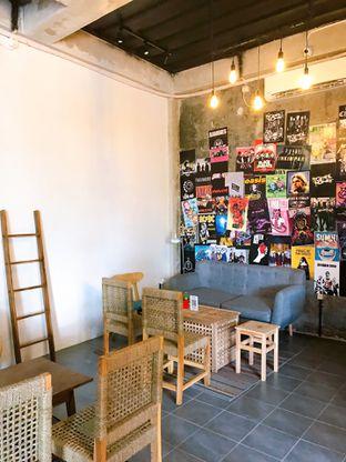 Foto 16 - Interior di Monty's Kitchen & Coffee oleh yudistira ishak abrar