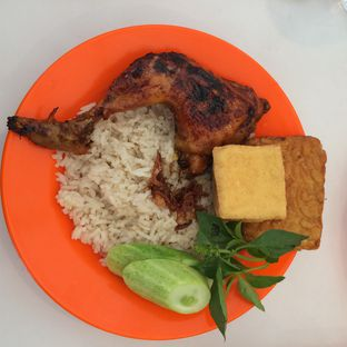 Foto 2 - Makanan di Nasi Uduk Pak Jhon oleh Aghni Ulma Saudi