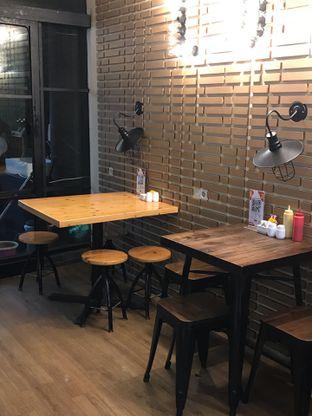 Foto 23 - Interior di Loko Cafe oleh yudistira ishak abrar