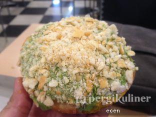 Foto 2 - Makanan(Matcha Ga Tau ) di Ivy Donuts oleh @Ecen28