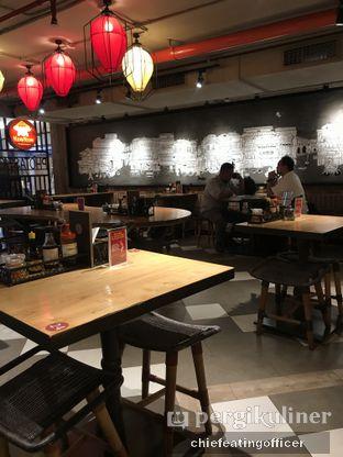 Foto 2 - Interior di NamNam Noodle Bar oleh Cubi