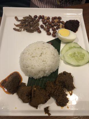 Foto 1 - Makanan di PappaRich oleh Nanakoot