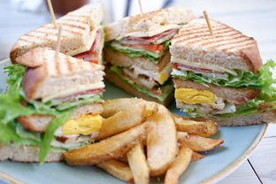 Foto 13 - Makanan(Club Sandwich (Sharing)) di Morning Glory oleh Chrisilya Thoeng