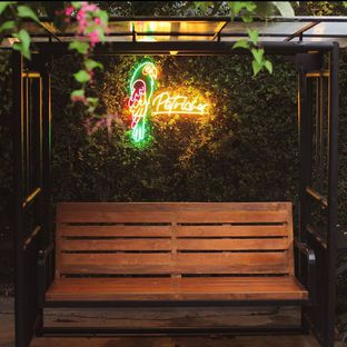 Foto 4 - Eksterior di Petrichor Cafe & Bistro oleh Yuhannes Hondir