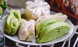 Roti Srikaya & Bakpao Achin
