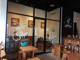 Foto 2 - Interior di Doppio Coffee oleh ig: @andriselly
