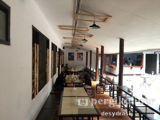 Foto 7 - Interior di Jumbo Eatery oleh Desy Mustika