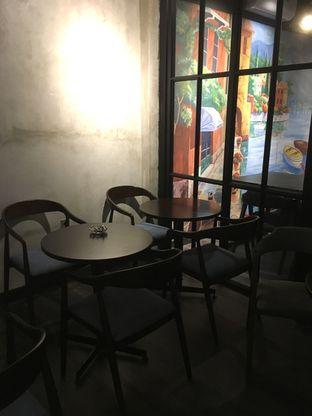 Foto 24 - Interior di Dopamine Coffee & Tea oleh Prido ZH