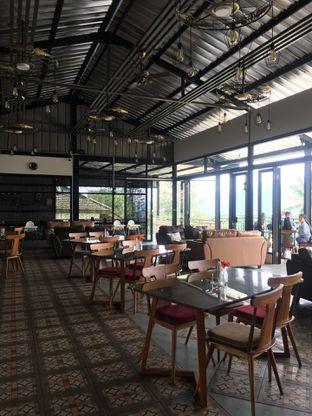 Foto 10 - Interior di Breeve Hills Resto & Cafe oleh RI 347 | Rihana & Ismail
