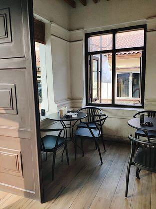 Foto 5 - Interior di Starbucks Coffee oleh inggie @makandll