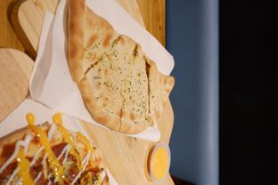 Foto 19 - Makanan di Monster Cheese Pizza oleh yudistira ishak abrar