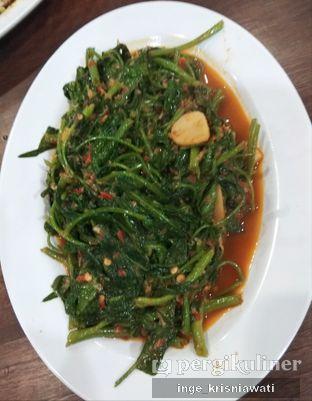 Foto 3 - Makanan(Kangkung Ebi) di Aroma Dermaga Seafood oleh Inge Inge