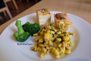 Foto 3 - Makanan di OPEN Restaurant - Double Tree by Hilton Hotel Jakarta oleh afniharfiyan