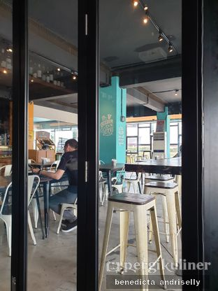 Foto 3 - Interior di Metro Coffee oleh ig: @andriselly