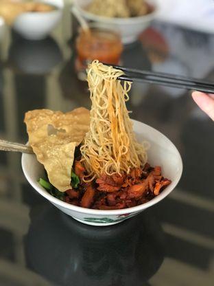 Foto 7 - Makanan di Bakmi Gloria oleh Makan2 TV Food & Travel