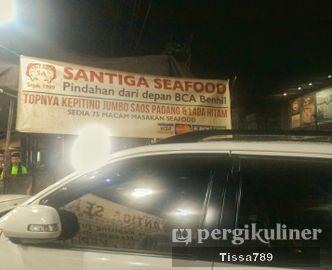 Foto Eksterior di Santiga Seafood