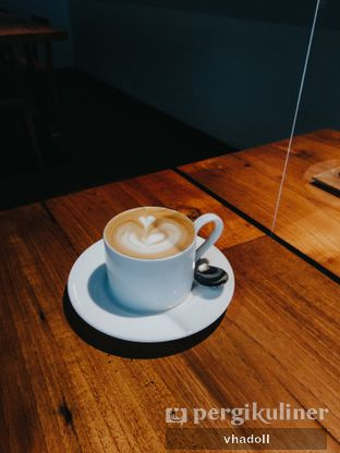 Foto 1 - Makanan(Cappuccino ) di Kopi Manyar oleh Syifa