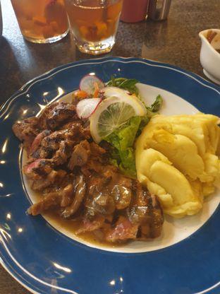 Foto 4 - Makanan di GB Bistro & Dessert oleh Nicole Rivkah