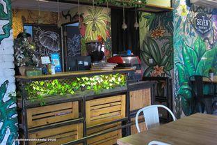 Foto 6 - Interior di Seven Grams Coffee & Eatery oleh Kuliner Addict Bandung