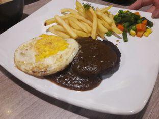 Foto 2 - Makanan di AH Resto Cafe - Hotel Ibis Budget Jakarta Cikini oleh Michael Wenadi