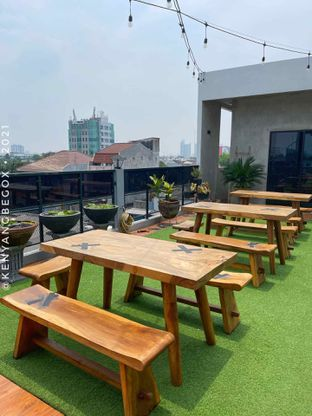 Foto review Upstairs Coffee Signature oleh Vionna & Tommy 13